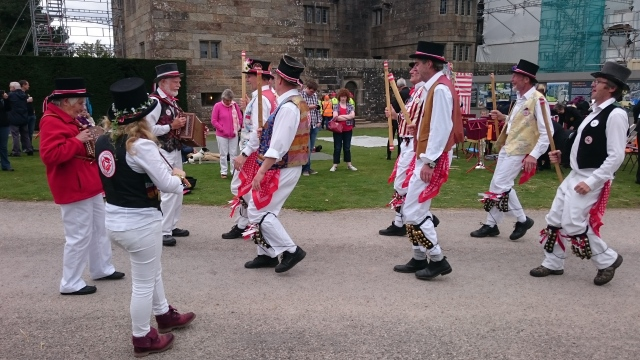 Dancing with Tinners' Morris at Drogo Castle